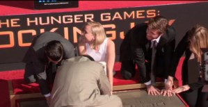 Jennifer Lawrence, impronte ad Hollywood per Hunger Games