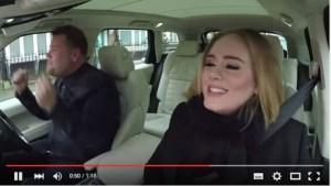 """Adele canta """"Hello"""" in auto e il web impazzisce VIDEO"""