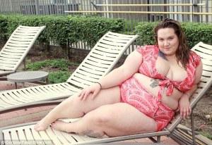 posa in bikini per dar voce a quelle come lei2