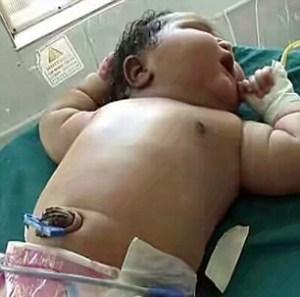 India, neonata pesa quasi 7 chili4