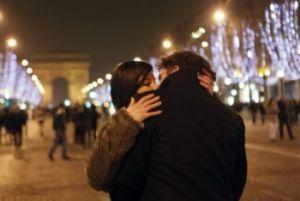 Se innamorato? Otto ragioni scientifiche per cui accade