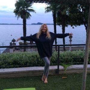 Mara Venier in clinica per dimagrire: estate a Gardone Riviera FOTO