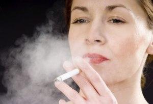 Fumare spegne l'ormone della fame. Ecco perché chi smette...