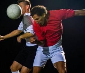 Calcio, colpi di testa possono causare danni cerebrali permanenti