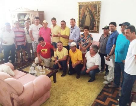 Grupo de oposição se reúne e define nome para vice