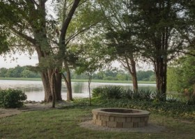 Relaxing Designs For Your Lakefront Backyard