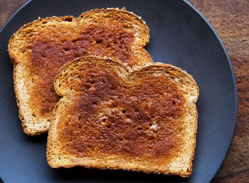 Il pane tostato bruciato