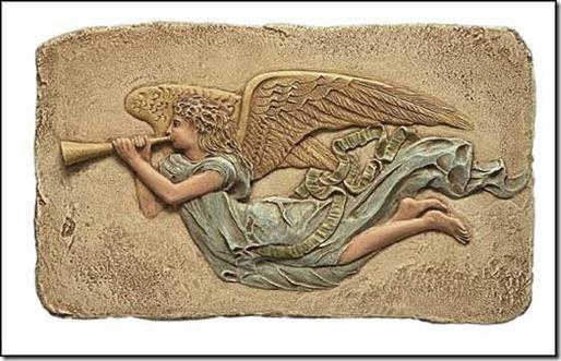 arcangel-san-gabriel-tocando-la-trompeta-5398096z0