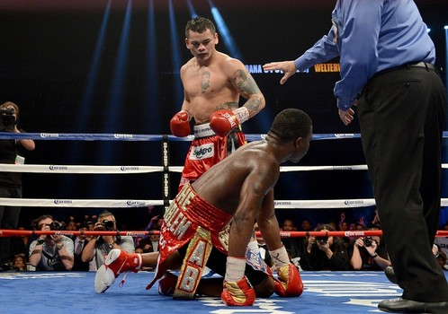 Maidana Knocks Down Broner