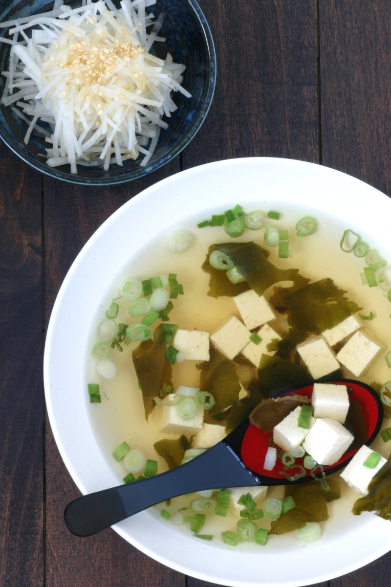 With this recipe for basic Vegan Dashi Stock, you can achieve that characteristic flavor and aroma in all of your Japanese recipes without using any fish.