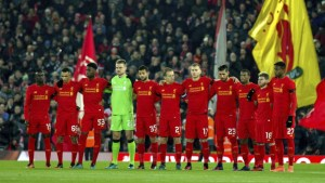 ¡Impactante lo que hacen lo linchas del Liverpool FC!