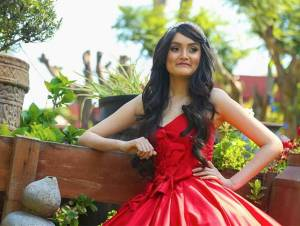 Joven con leucemia cumple sueño de ser modelo en Michoacán