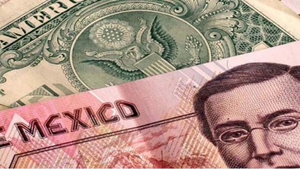 El dólar sigue sin freno y supera los 22 pesos en ventanilla