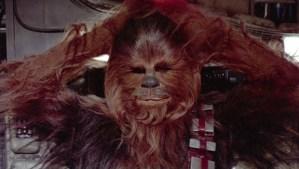Esto es lo que te puede pasar si haces enojar a Chewbacca