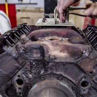 Restauration eines V8-Motors