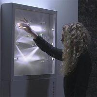 Interaktive Prismen-Installation