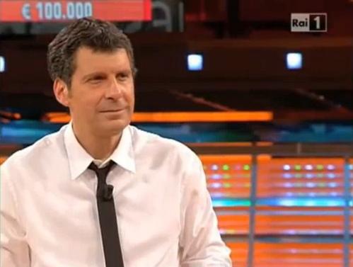 Fabrizio Frizzi conduce miss italia 2012