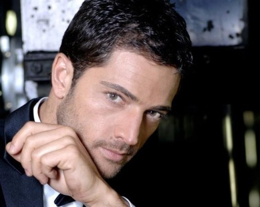 Luca Capuano lascia Centovetrine e sposa Carlotta Lo Greco