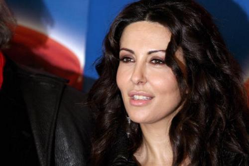 Sabrina Ferilli in Baciamo le mani con Virna Lisi