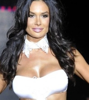 Nicole Minetti in posa sexy