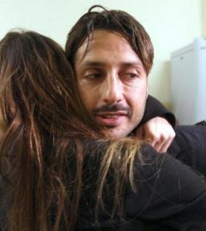 nina-moric-abbraccia-l-ex-marito-fabrizio-corona