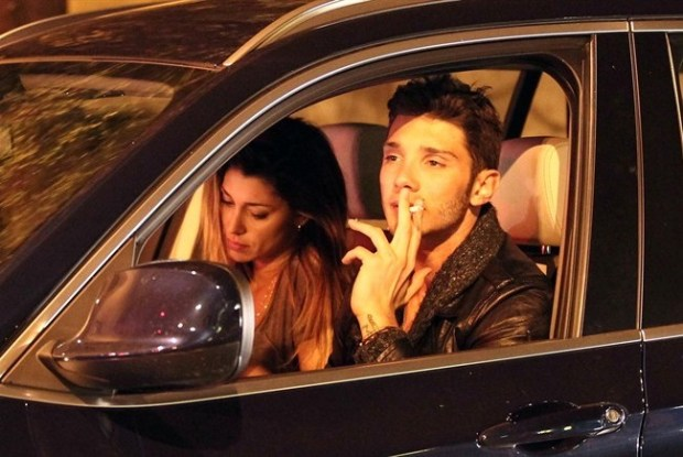 Stefano e Belen in auto