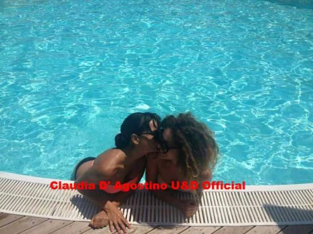 Claudia D'Agostino si distrae con Eleonora