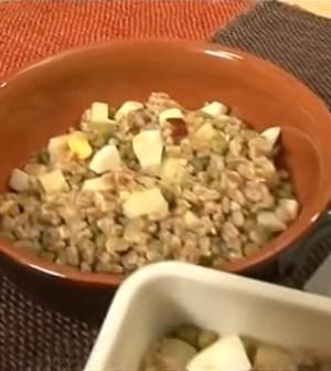 zuppa-di-farro-uova-e-piselli