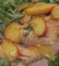 foto insalata di salmone e pesche