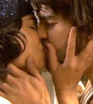 foto bacio maria e gonzalo