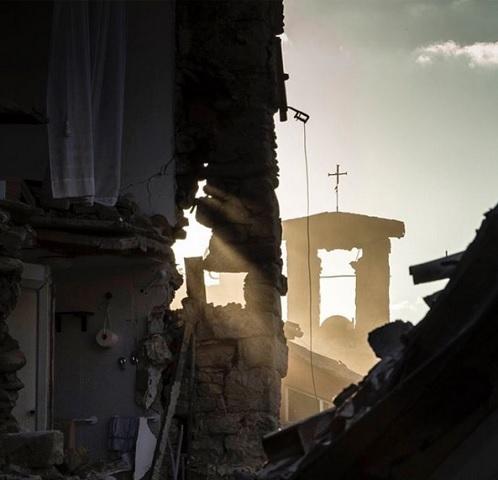 foto terremoto instagram Stefano De Martino