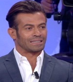 Trono Over: Gianni Sperti fa una dedica a Giorgio Manetti?