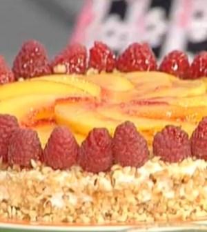 foto torta pesche Moroni