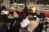 Padre Pio a Roma, tra lacrime e selfie   #politicamentescorretto