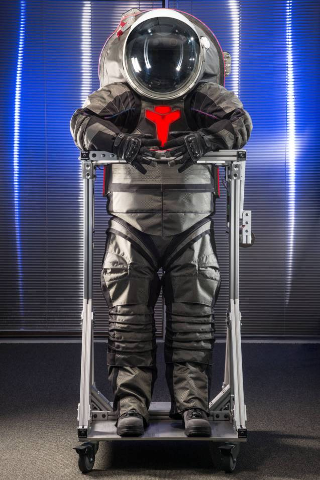 PHOTO DATE: 09-16-15 LOCATION: ILC - 2200 Space Park - 1st Flr. Lab SUBJECT:  High quality production photos of full Z2 space suit in ILC facility for use as stock imagery that can be given to news media during EVA media event. PHOTOGRAPHER: BILL STAFFORD AND ROBERT MARKOWITZ