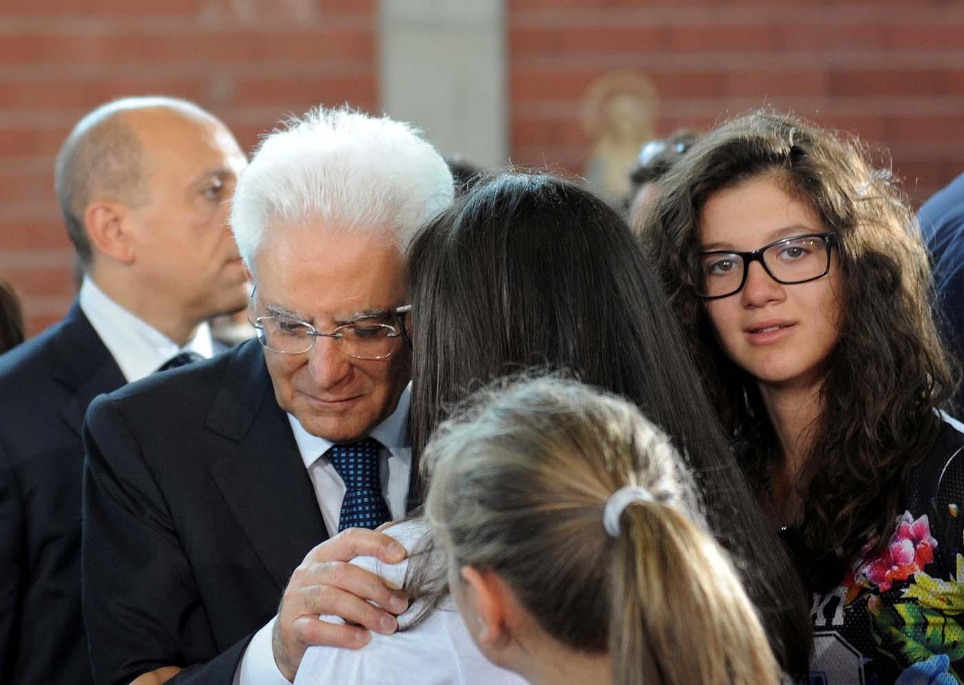 Asciende a 284 el número de muertos por el terremoto en Italia