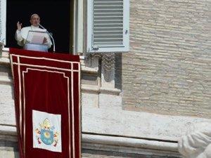 VATICAN-POPE-ANGELUS-SYRIA