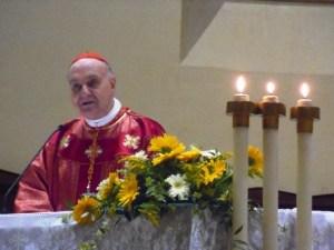 Il cardinale Comastri presiede la liturgia eucaristica