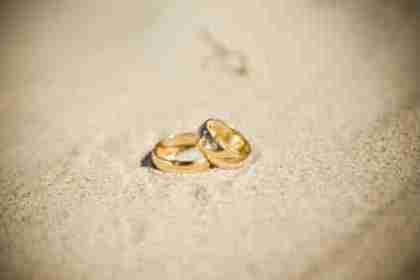 wedding rings on beach