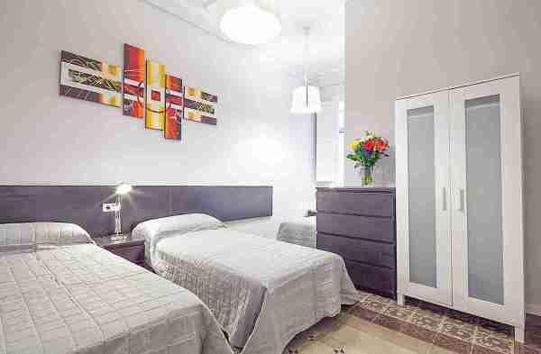 Bedroom-barcelona-holiday-rental