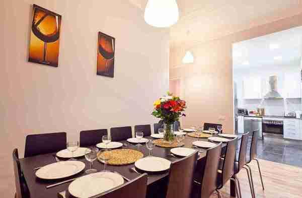 Dining-kitchen-barcelona-holiday-rental.jpg