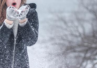 snow-woman-winter-snowflakes-54200