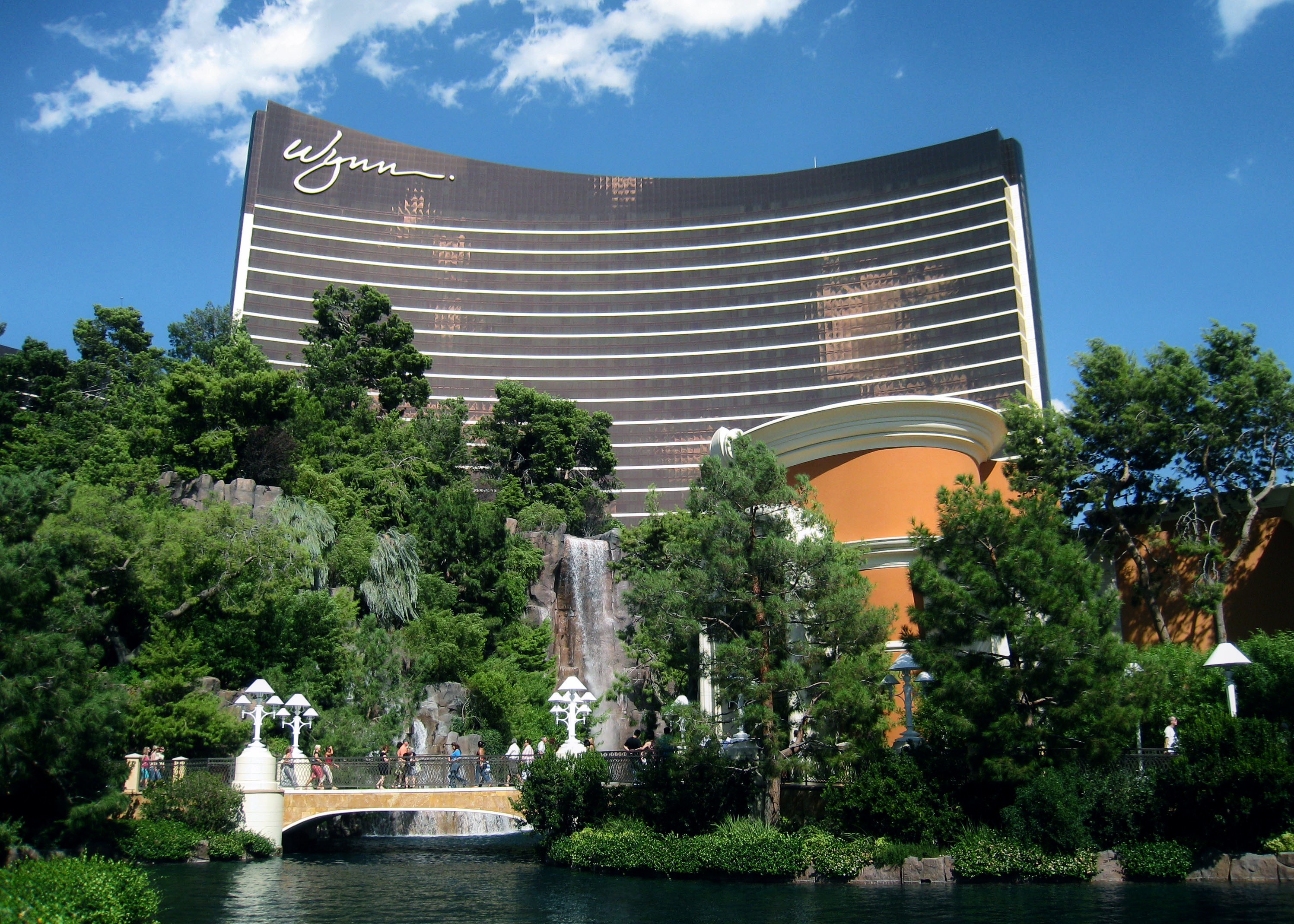 on this date april 28 2005 the wynn opened in las vegas