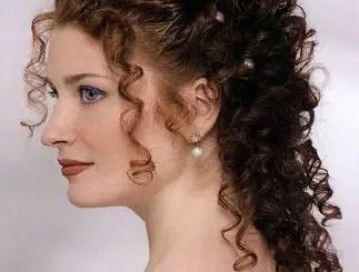 Curly-Bridal-Hair-Styles3