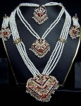 Indian-Pearl-Jewellery-Designs