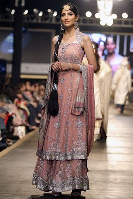 Bridal collection by Deepak Parwani16-Latestasianfashions.com