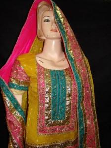 Traditional pakistani mehndi dress