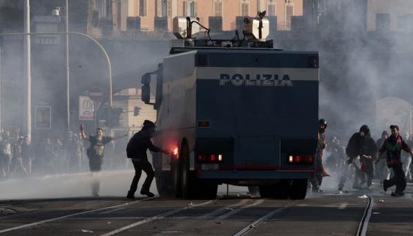 scontri-roma-manifestazione-indignati