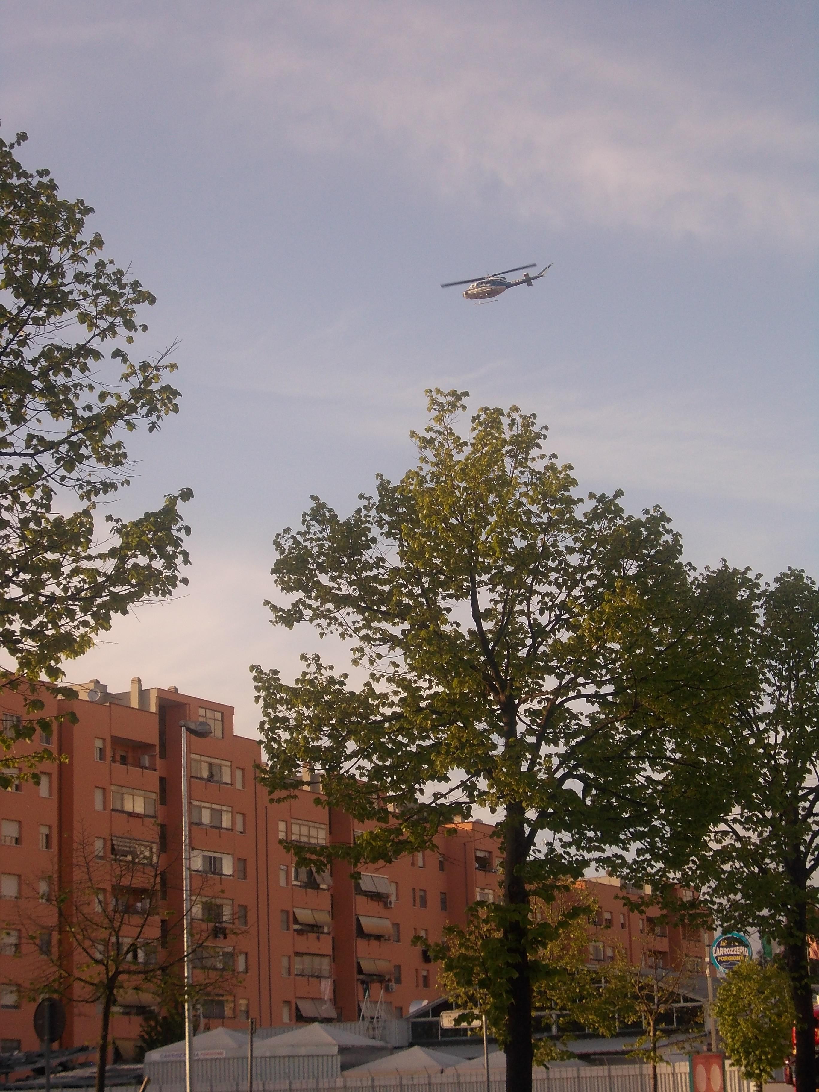 elicottero-rapina-distributore