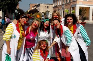 clown-piazza-latina-24ore